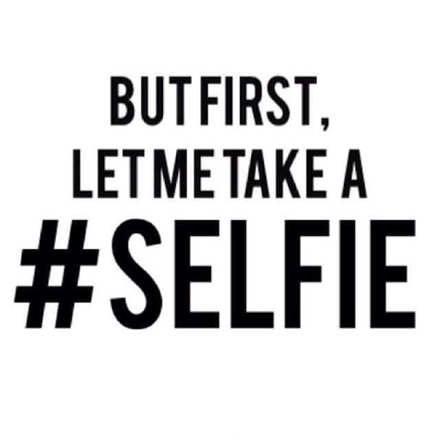 30 Cool Selfie Quotes & Sayings About Taking Selfie